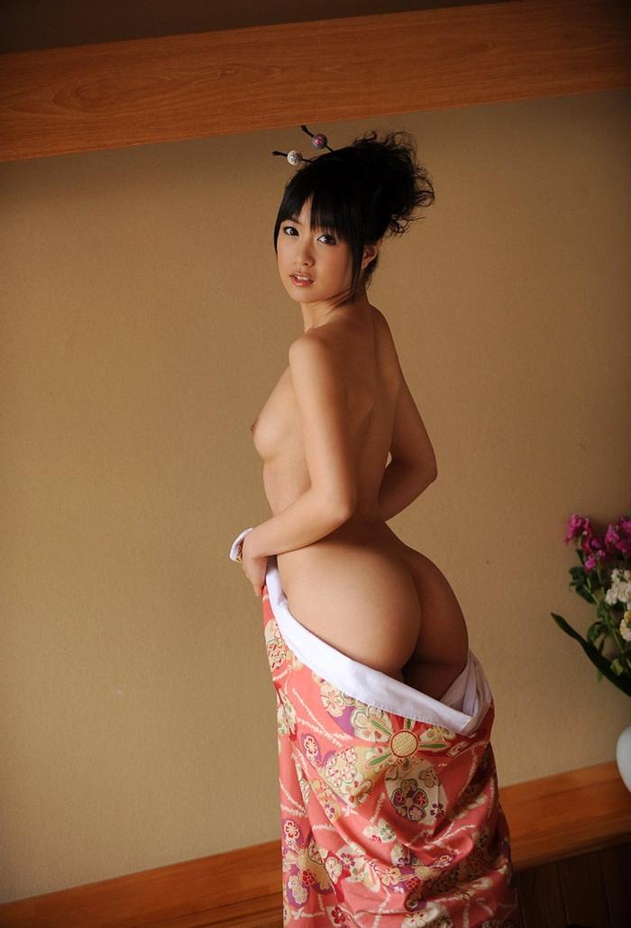 【和服エロ画像】はだけた着物の女の子って物凄くエロい感じがするんだがwww 23