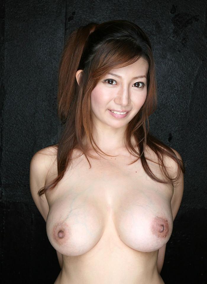 【巨乳エロ画像】おっぱいと言えば巨乳だろ!?巨乳ファン必見!寄って来い! 26