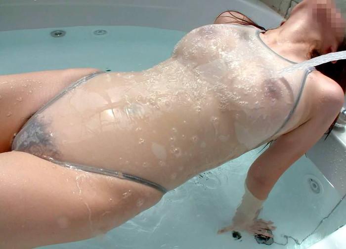 【濡れ透けエロ画像】濡れ手スケスケになった着衣っい卑猥だよな?透け過ぎ注意w