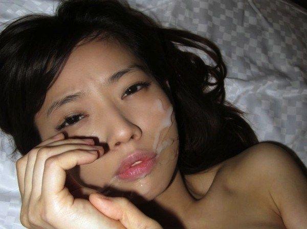 【顔射エロ画像】顔中ザーメンまみれの顔射された女の子たちのエロ画像 10