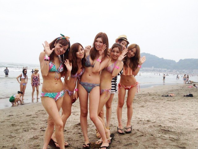 【素人水着エロ画像】まもなく夏本番!?待ち遠しすぎる素人娘たちの水着姿! 14