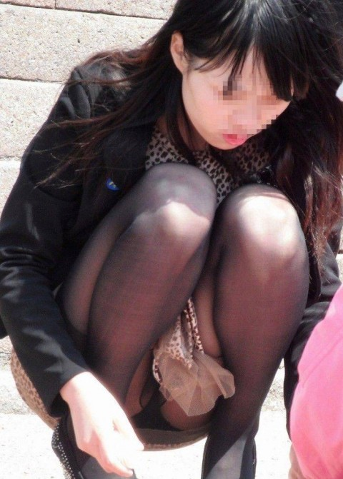 【街撮りパンチラエロ画像】街中で見かけたパンチラしてる女子の画像集めたったw 08