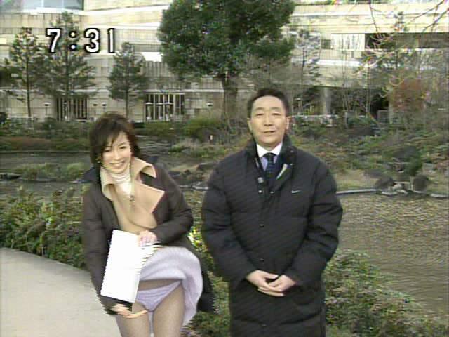 【放送事故エロ画像】これはガチ!?電波にのってしったエロい放送事故! 27
