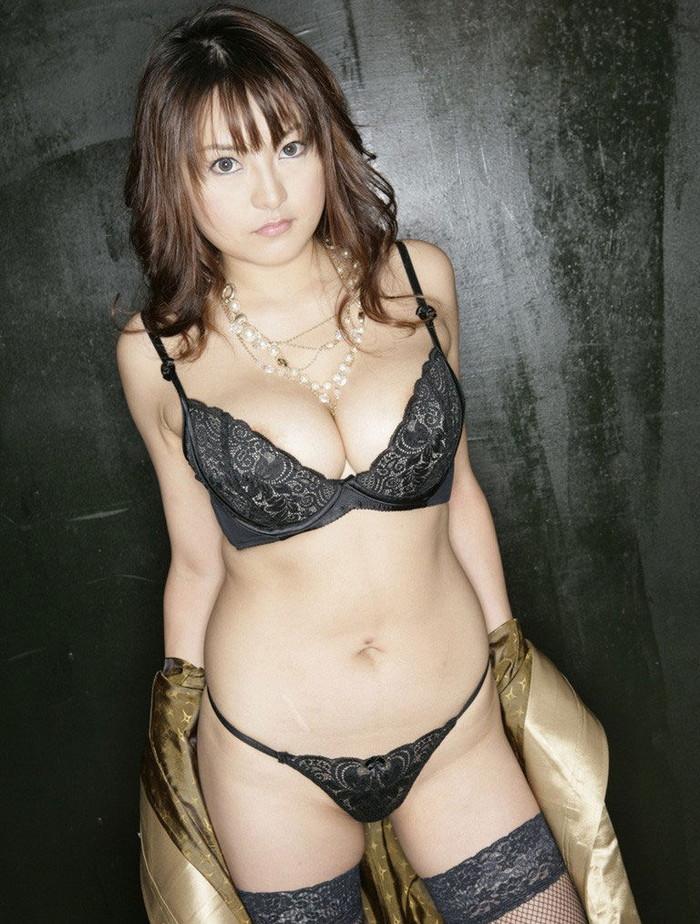 【セクシーランジェリーエロ画像】魅せるためのセクシーすぎる女の子の下着! 10