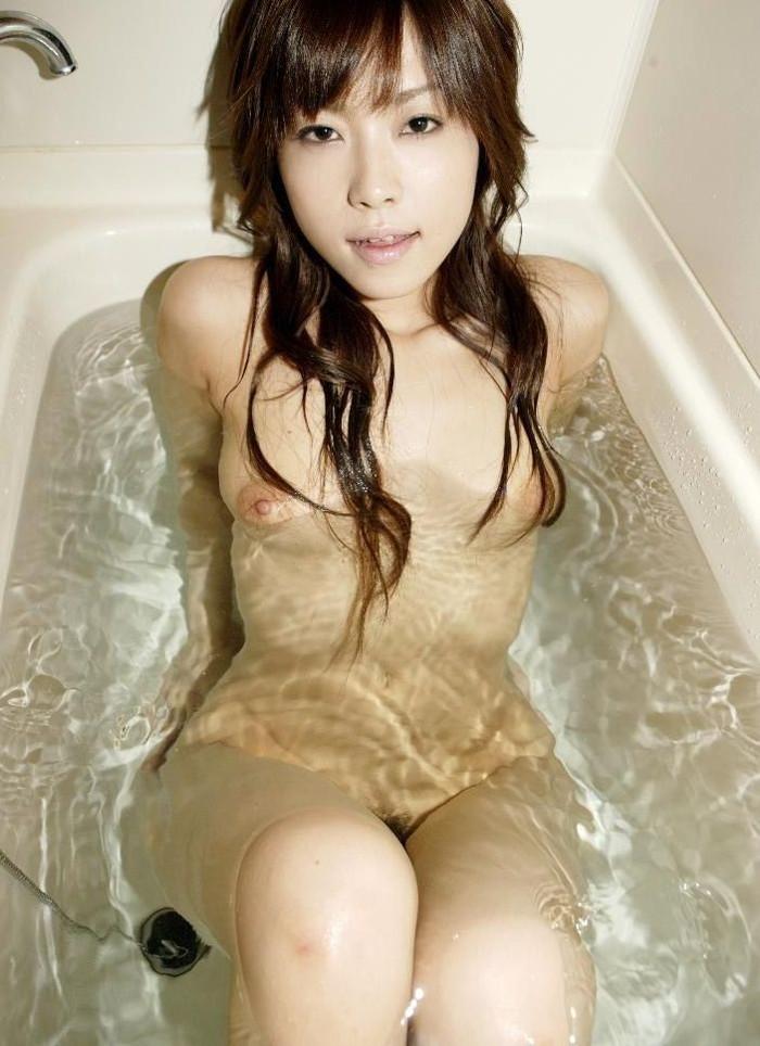 【入浴エロ画像】これが見たかった!?女の子たちの一糸まとわぬ入浴シーン! 10