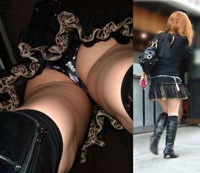 【逆さ撮りエロ画像】スカートの中を直下から狙ってパンチラゲット!www 03
