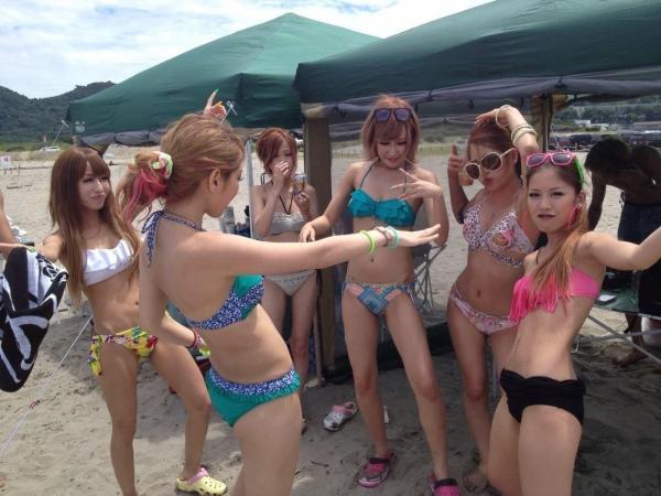 【素人水着エロ画像】素人娘たちの水着姿が眩し過ぎてフル勃起してしまうんだがww 22