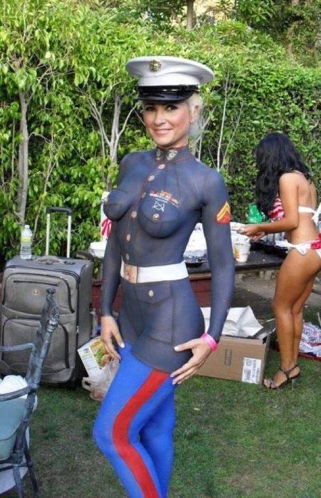 【ボディーペイントエロ画像】よくよく見たら「全裸かよ!?」っていうボディーペイントw 20