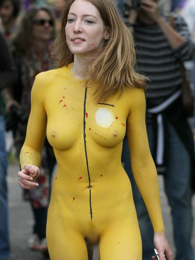 【ボディーペイントエロ画像】よくよく見たら「全裸かよ!?」っていうボディーペイントw 22