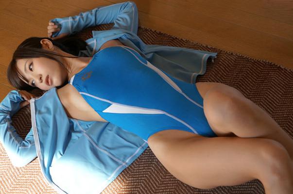 【競泳水着エロ画像】競泳用の水着が角度をかえたら物凄くエロかった件www 10