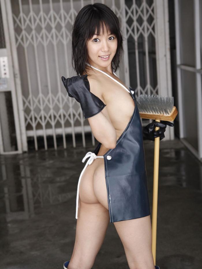 【裸エプロンエロ画像】こんな格好でお出迎えされたら即ハボだろ!?www 19