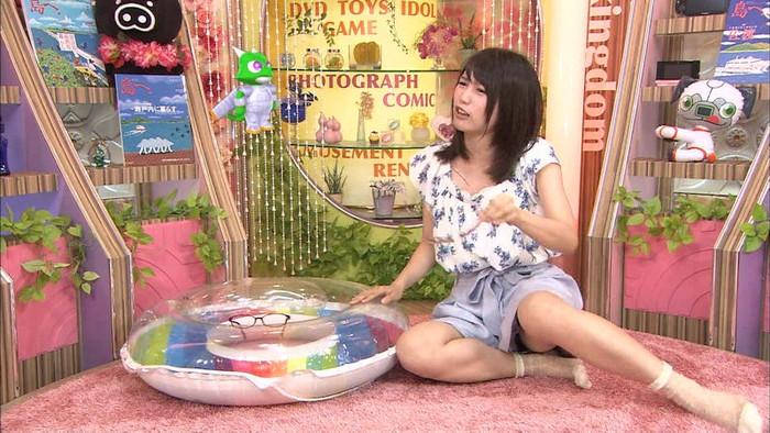 【放送事故エロ画像】テレビに映ったエロハプニング!これはラッキー!www 25