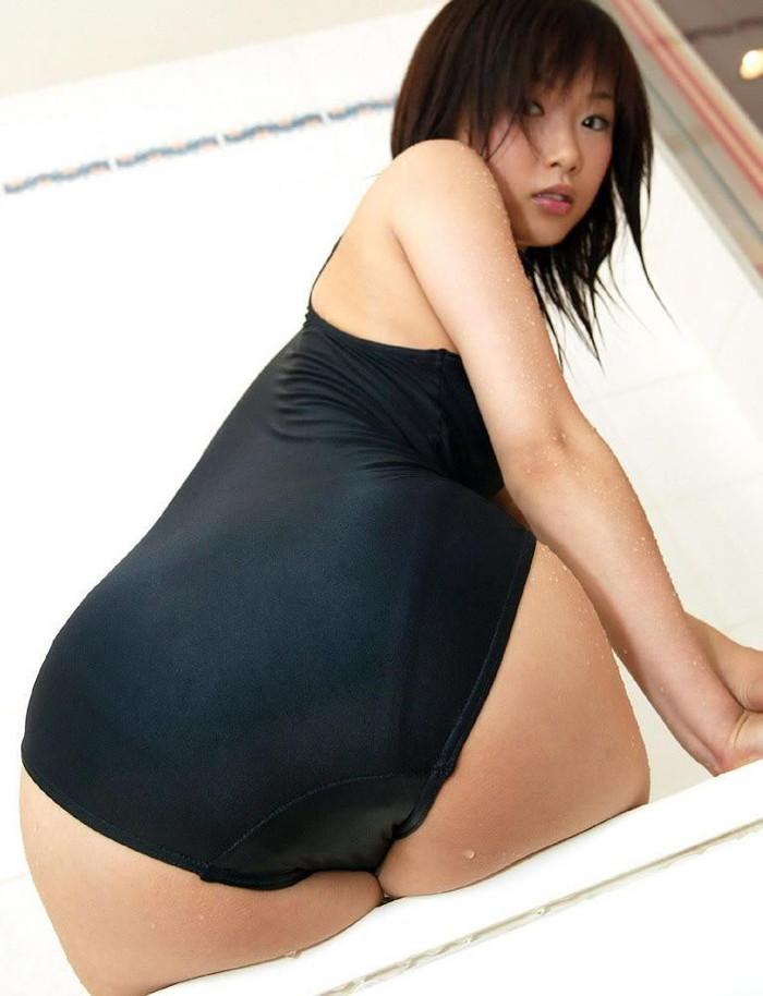 【スクール水着エロ画像】ワイ、学生時代にこんな姿の女子を見て勃起した事もあった! 12