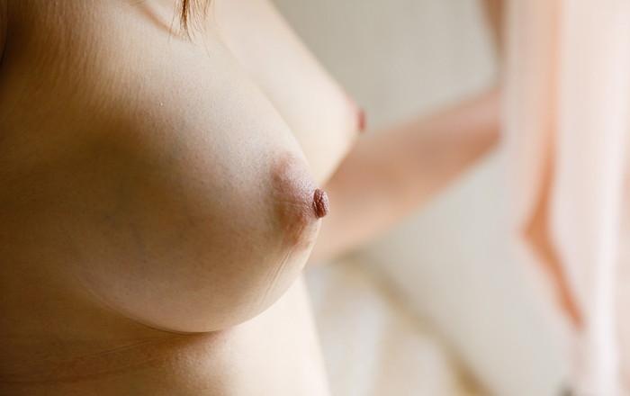 【美乳エロ画像】思わず感嘆のため息…美しすぎるおっぱいの女の子たち! 26