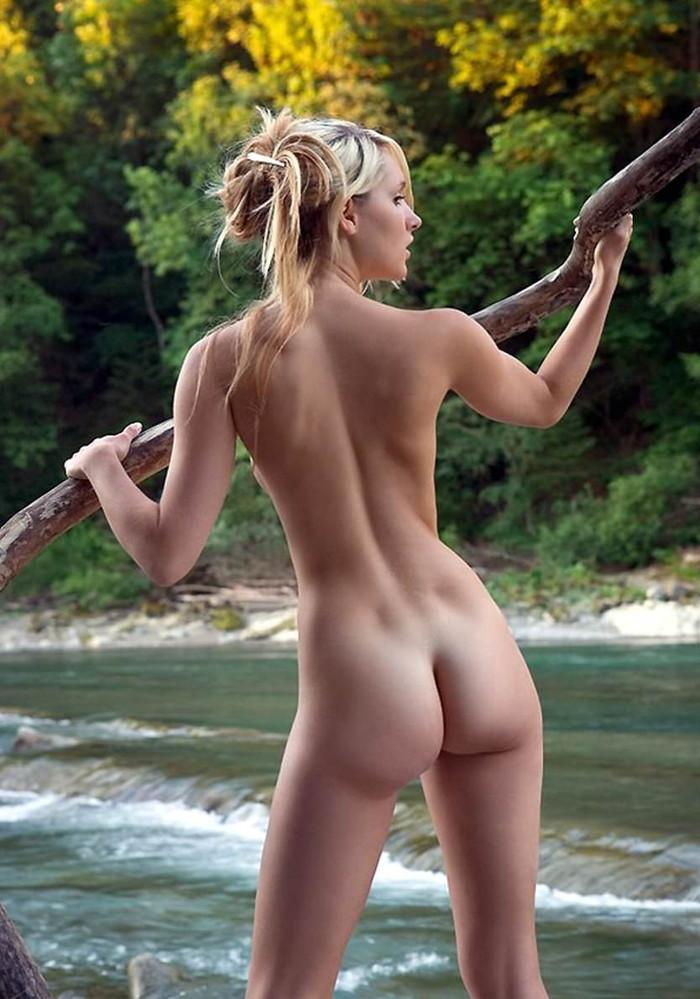 【海外美尻エロ画像】海外スケールのナマツバものの美尻画像集めたったぜwww 24