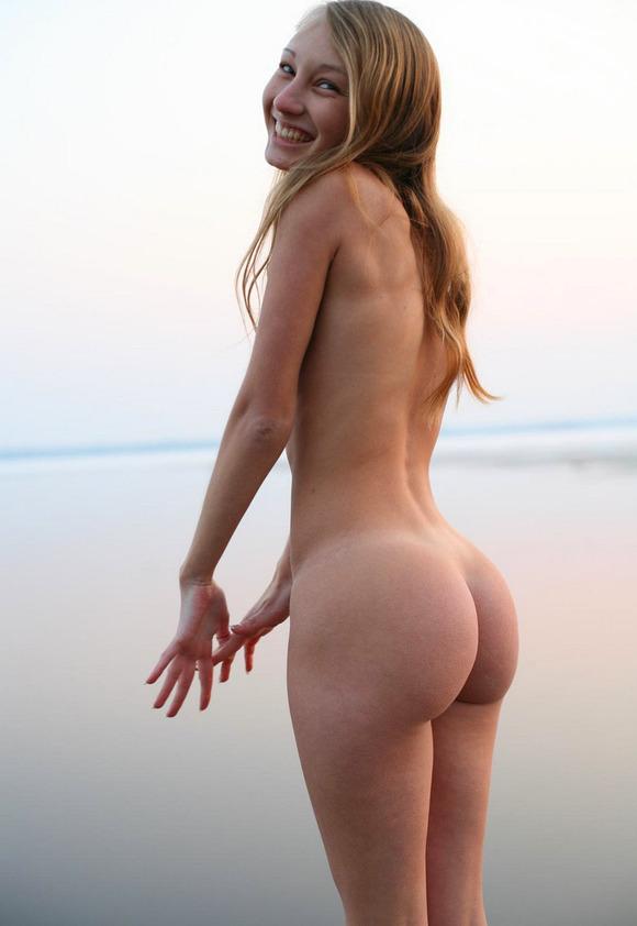 【海外美尻エロ画像】海外スケールのナマツバものの美尻画像集めたったぜwww 25