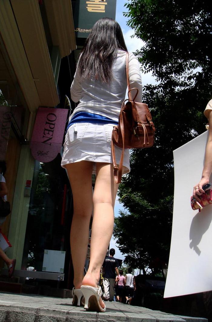 【美脚エロ画像】街中で見かけた美脚の女の子をフォーカスしてみた結果w 01