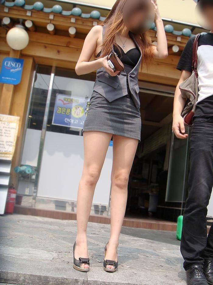 【美脚エロ画像】街中で見かけた美脚の女の子をフォーカスしてみた結果w 03
