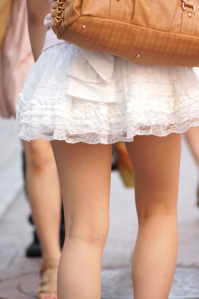 【美脚エロ画像】街中で見かけた美脚の女の子をフォーカスしてみた結果w 05