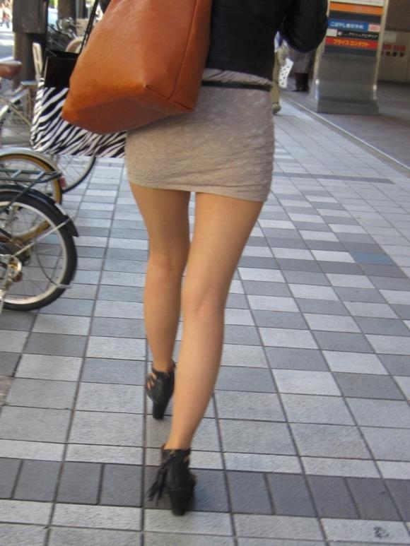 【美脚エロ画像】街中で見かけた美脚の女の子をフォーカスしてみた結果w 10