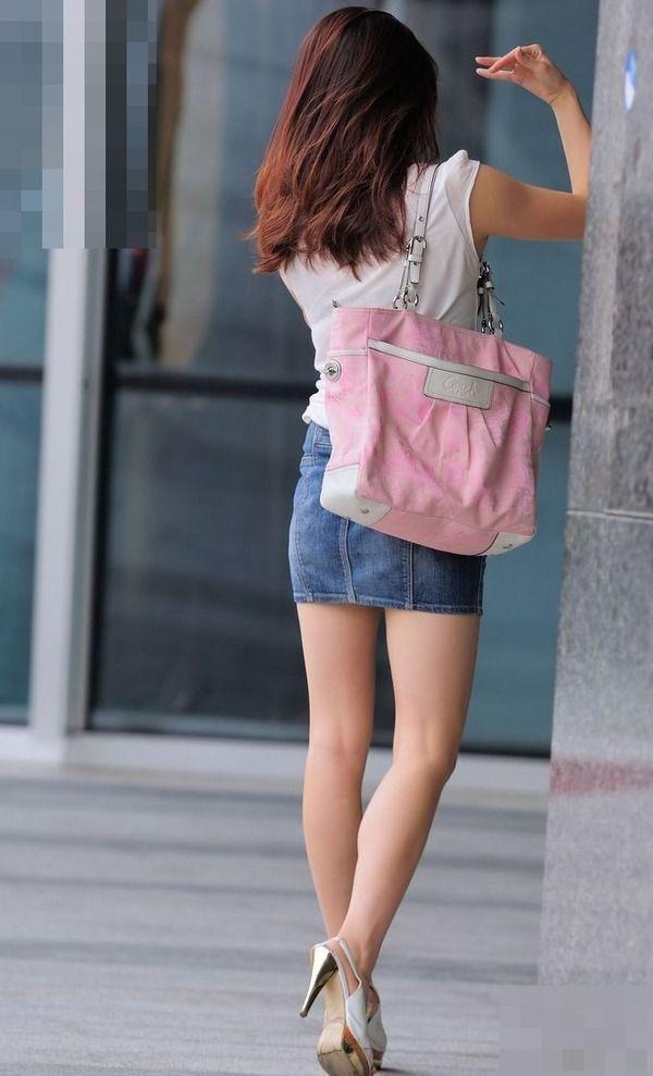 【美脚エロ画像】街中で見かけた美脚の女の子をフォーカスしてみた結果w 17