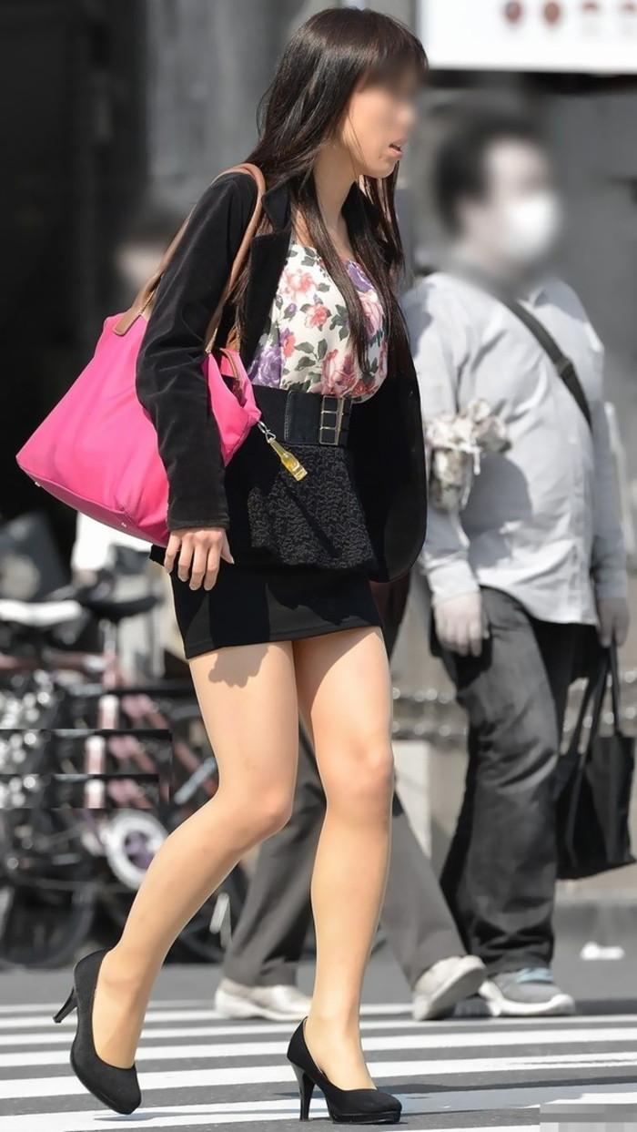 【美脚エロ画像】街中で見かけた美脚の女の子をフォーカスしてみた結果w 18