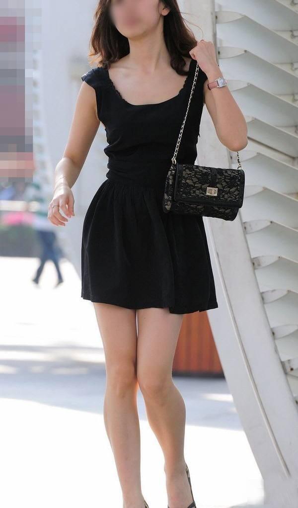 【美脚エロ画像】街中で見かけた美脚の女の子をフォーカスしてみた結果w 23