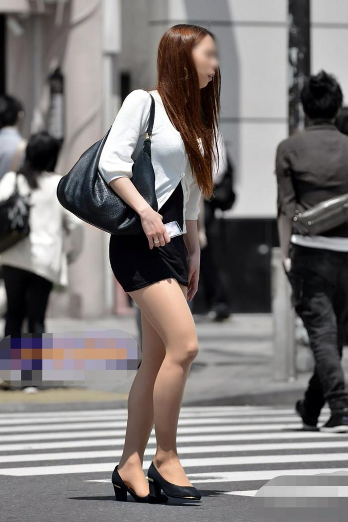 【美脚エロ画像】街中で見かけた美脚の女の子をフォーカスしてみた結果w 24