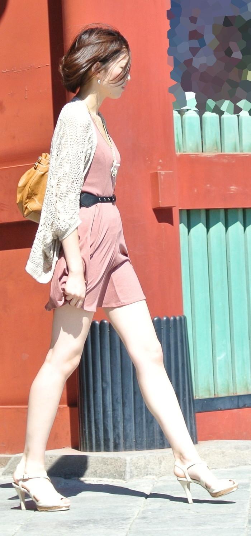 【美脚エロ画像】街中で見かけた美脚の女の子をフォーカスしてみた結果w 27