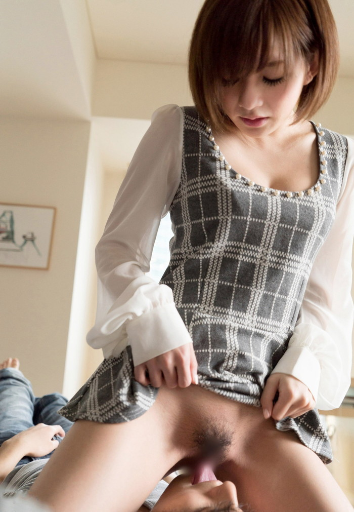【顔面騎乗エロ画像】女の子自ら男の顔面にまたがりクンニを強請る顔面騎乗! 18