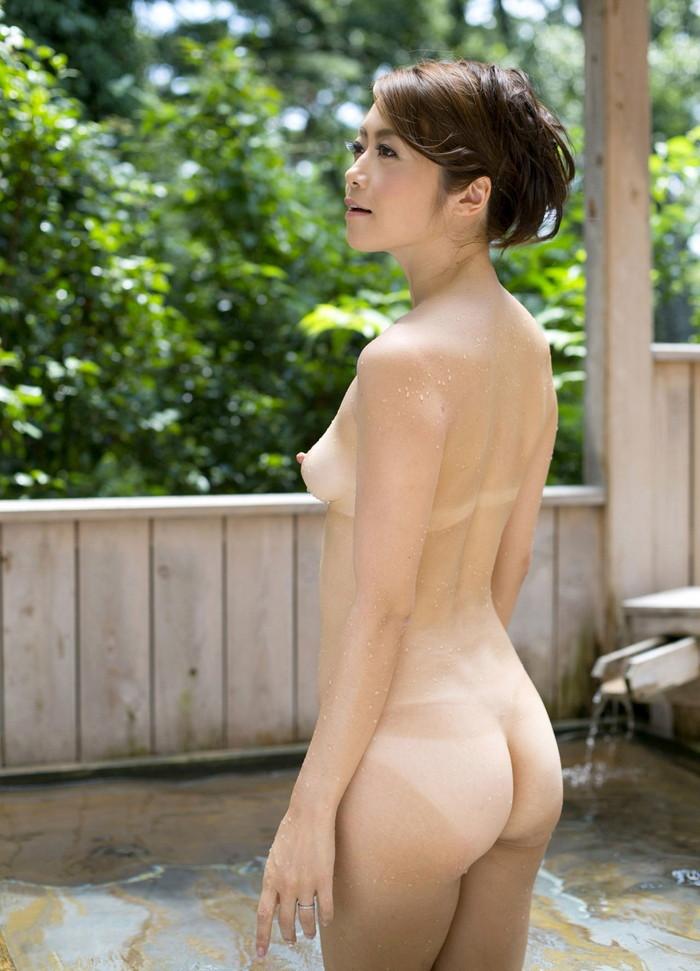 【日焼け跡エロ画像】女の子の肌に生々しい日焼け跡!グゥ抜ける!wwwww 22