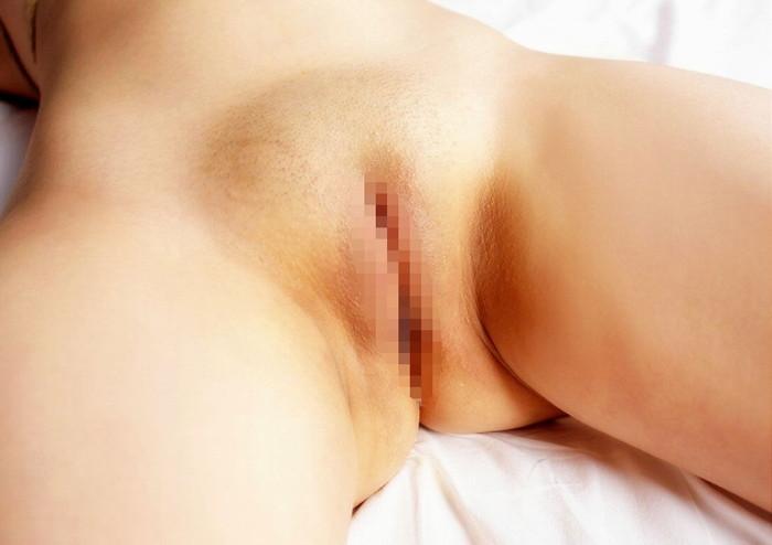 剥き出しなパイパン股間のエロ画像