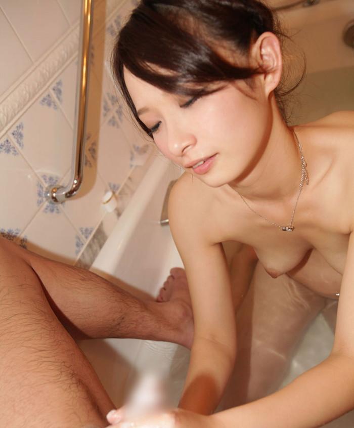 【手コキエロ画像】女の子のか細い手で快楽へと導かれる手コキ!wwwww 25