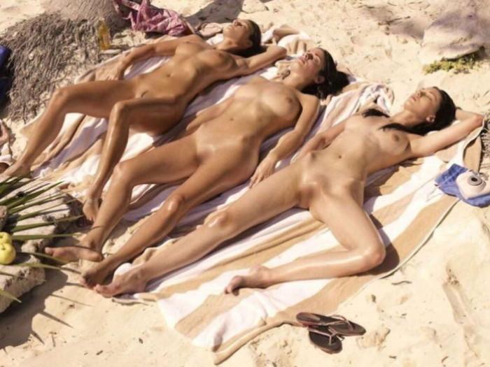【ヌーディストビーチエロ画像】男なら一度は足を運んでみたい海外リゾート地がこちらw 09