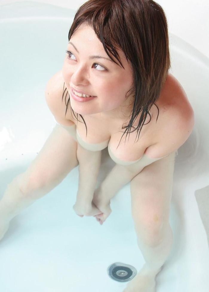 【入浴エロ画像】一度は覗いてみたい!女の子が全裸で入浴する姿にフル勃起! 11