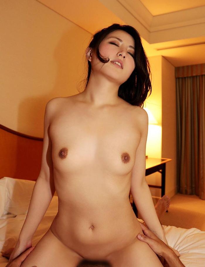 【パイパンセックスエロ画像】ツルツルのパイパンの女の子とセックス!wwww 17