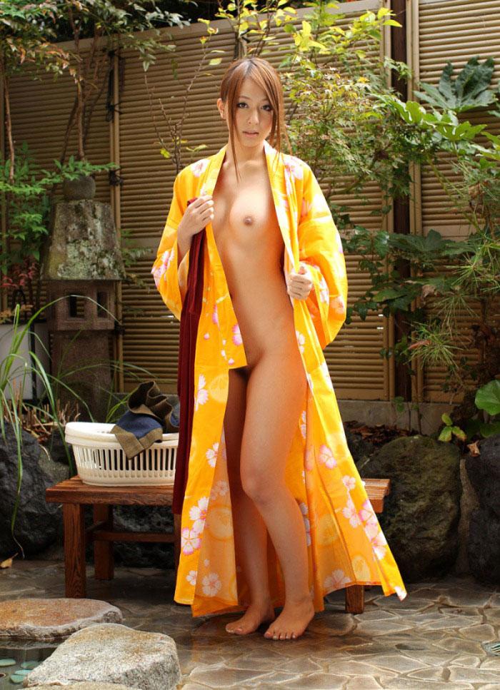 【和服エロ画像】和服姿の女の子は着衣が乱れるだけでもこんなにエロい!ww 24