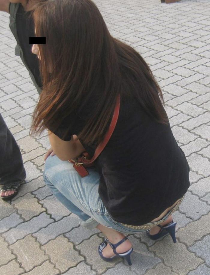 【ローライズエロ画像】腰パン!?ローライズファッションでパンチラ、尻チラ満載ww 09