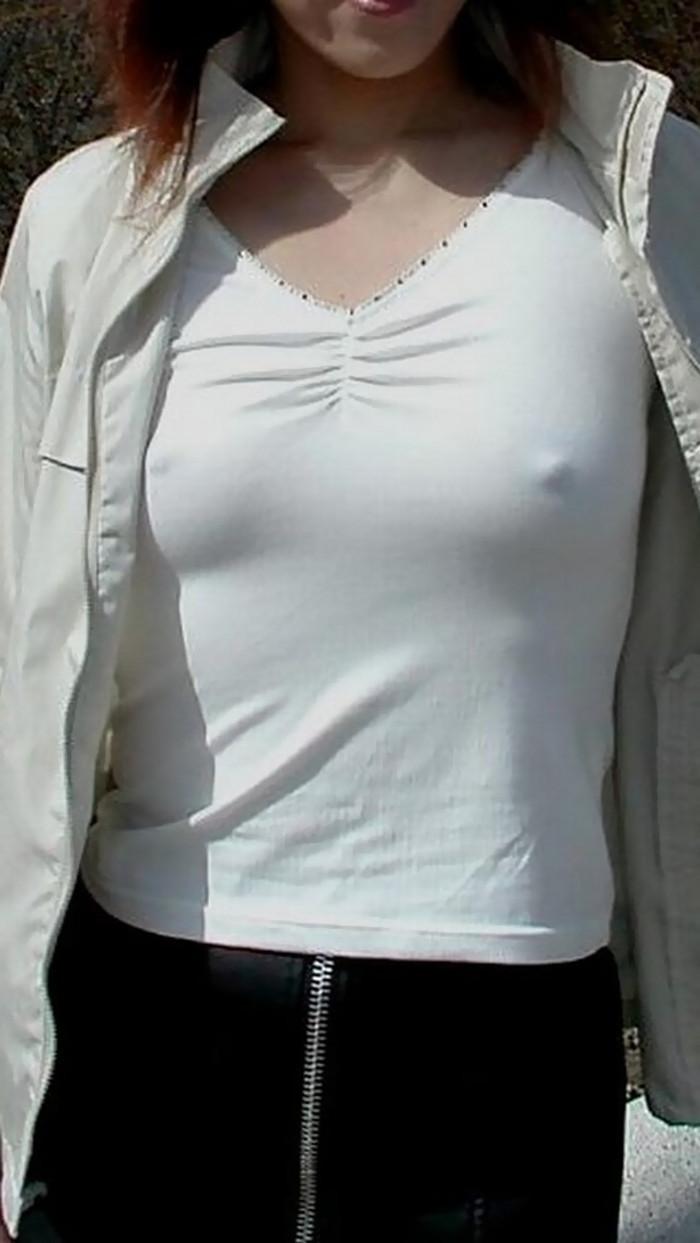【胸ポッチエロ画像】女の子の胸元にあるこのポッチ!これの正体は!?草生えたww 08