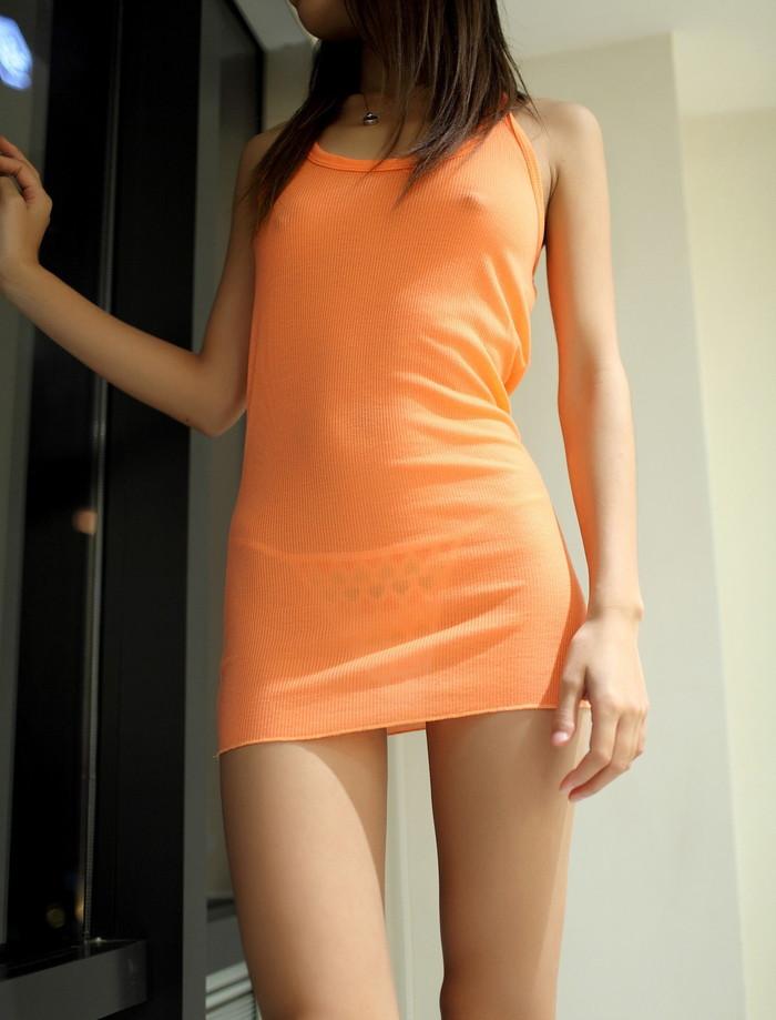 【胸ポッチエロ画像】女の子の胸元にあるこのポッチ!これの正体は!?草生えたww 25