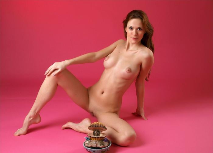 【海外パイパンエロ画像】海外美女たちのツルツルのオマンコ見てたら勃起したww 25