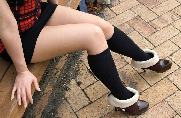 【美脚エロ画像】スラリと伸びた脚線美!美脚の女の子たちの画像集めたったw 27