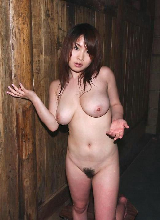 【巨乳エロ画像】デカいだけでステータス!女の子の巨乳ってすばらしいww 表紙