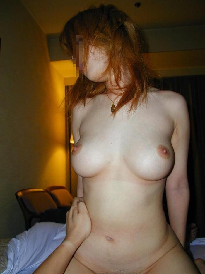 【素人セックスエロ画像】素人カップルのセックスって生々しいよな?グゥ抜けるww 表紙