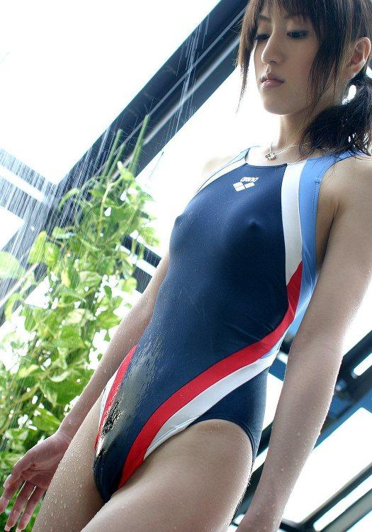 【競泳水着エロ画像】これはエロい!ヘタなビキニよりもエロいと言われる競泳水着ww 表紙