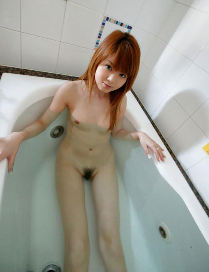 【入浴エロ画像】女の子が堂々と全裸になる瞬間といえばやっぱりお風呂かな? 10