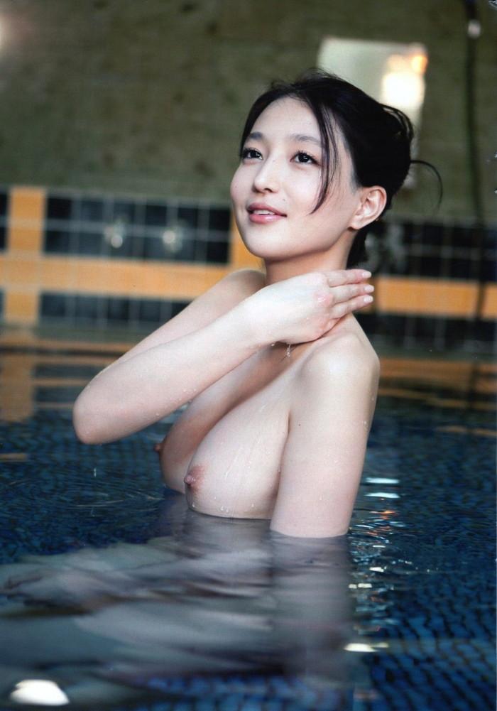 【入浴エロ画像】女の子が堂々と全裸になる瞬間といえばやっぱりお風呂かな? 18