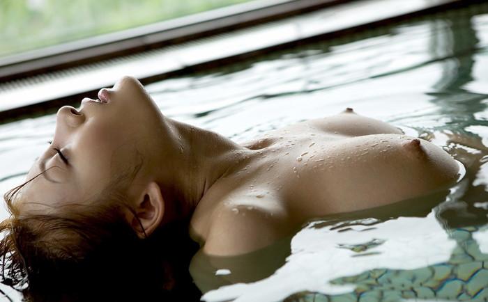 【入浴エロ画像】女の子が堂々と全裸になる瞬間といえばやっぱりお風呂かな? 21