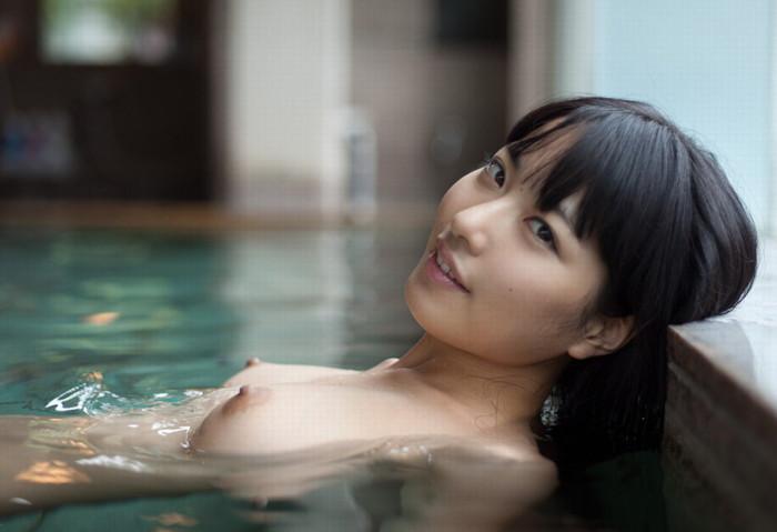 【入浴エロ画像】女の子が堂々と全裸になる瞬間といえばやっぱりお風呂かな? 22