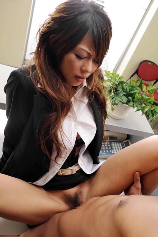 【着衣セックスエロ画像】セックスは全裸でするだけではない!着衣セックスの魅力! 25